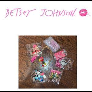 Betsey Johnson 7 piece Jewlery Lot